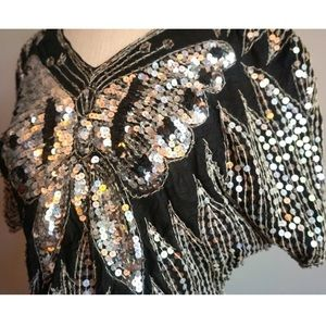 Tops - Vintage sequins butterfly top 🦋